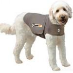 Het Thundershirt geeft een beschermd gevoel aan angstige en onrustige honden